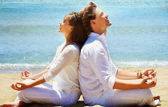 couple mediating together